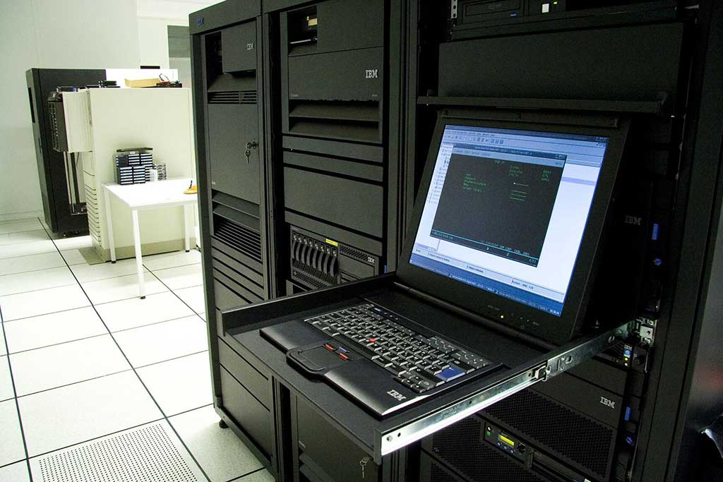 IT Equipment: Is It Better To Lease Or Buy